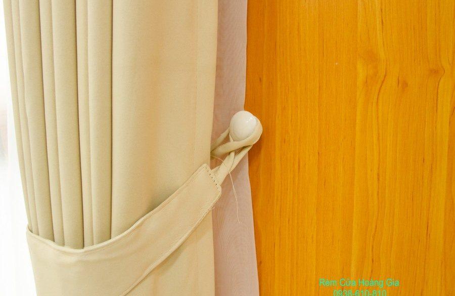 Màn cửa giá rẻ chống nắng cho phòng ngủ và phòng khách